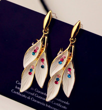 2016 Fashion design delicacy nobleness Colourful crystal The aura earring alloy hang leaf shape earring(China)