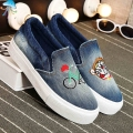 Woman Spring 2016 Denim Casual Shoes Ladies Platform Loafers Women Lazy Shoes with Graffiti Slip on Canvas Flats Casual