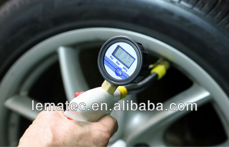 Ergonomic inflatable tire display tire inflation machine digital tire air inflator