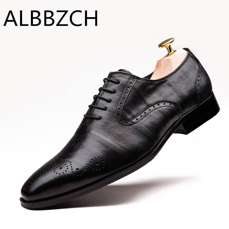 جديد أكسفورد الرجال الأحذية وأشار اصبع القدم الدانتيل يصل عالية الجودة جلد طبيعي الرجال الزفاف اللباس أحذية الرجال مكتب العمل أحذية حجم 37 44-في أحذية رسمية من أحذية على  مجموعة 1