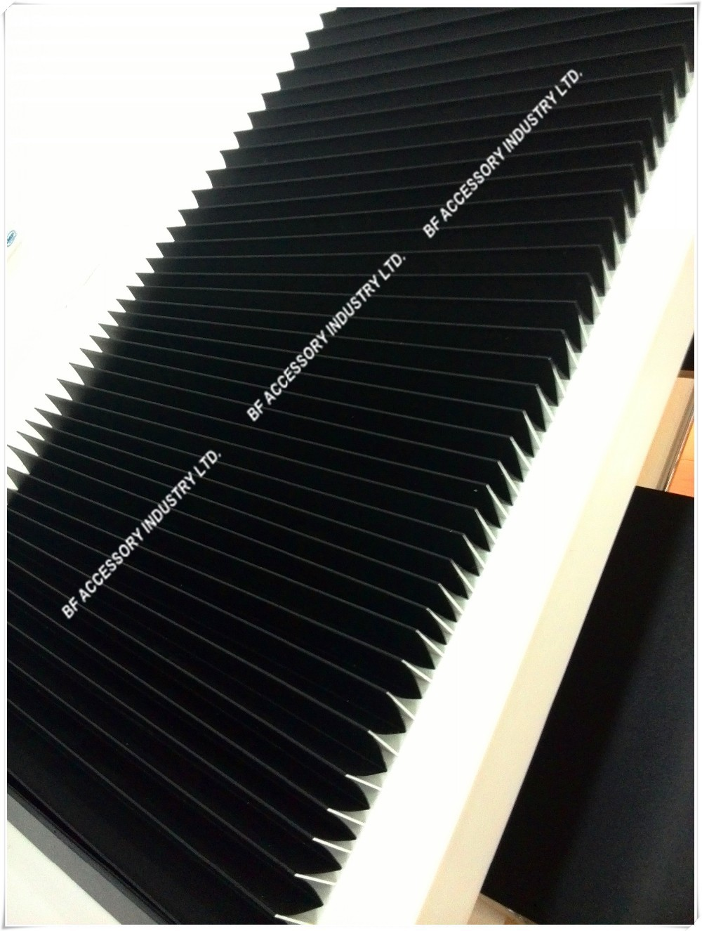 Length 2700mm heat fire spark resistant CNC Cutting Machine protective accordion bellows shield Height of 35mm