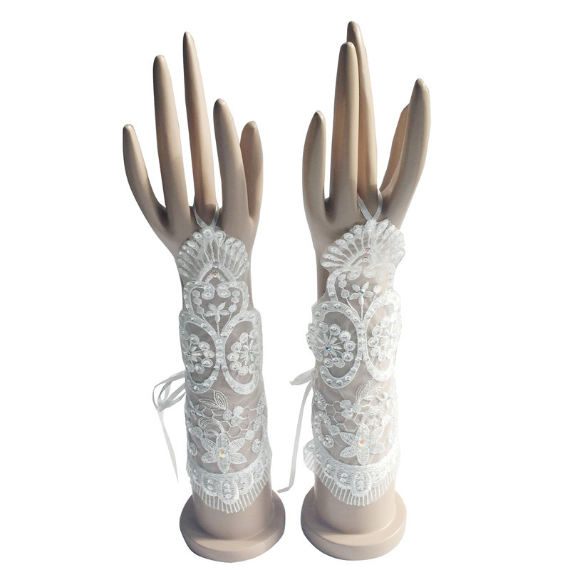 New Arrival Romantic White Ivory Bridal Gloves For Wedding Bride Cheap Lace Applique Accessories ST06