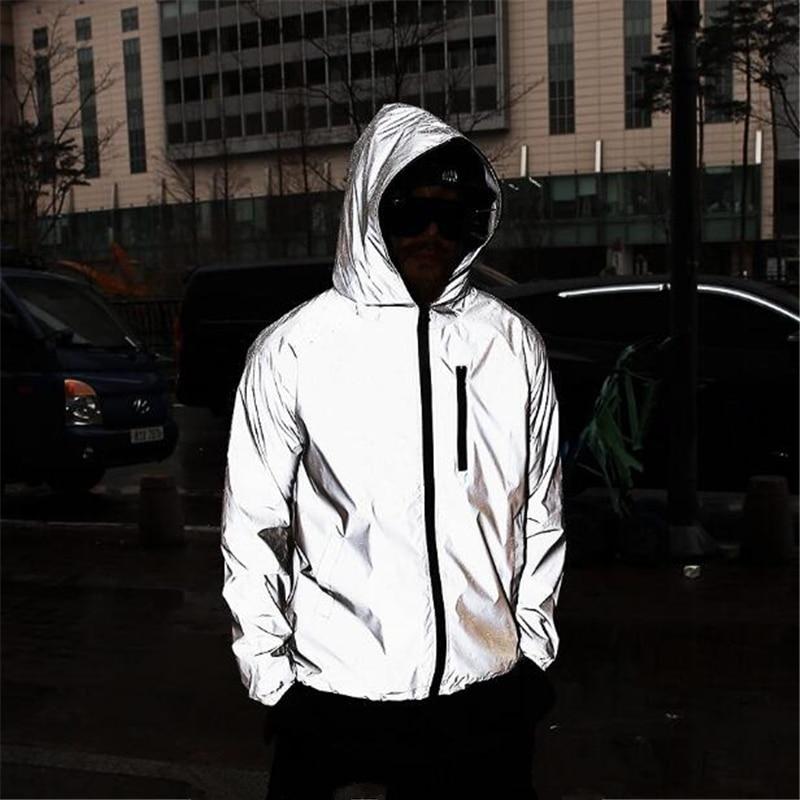 Мужская блестящая куртка с капюшоном, светоотражающая уличная свободная ветровка в стиле хип-хоп, размера плюс 4XL, в стиле Харадзюку