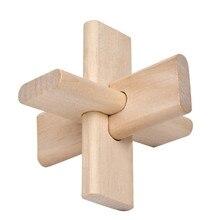 Dřevěný hlavolam pro rozvíjení dětí ze tří částí