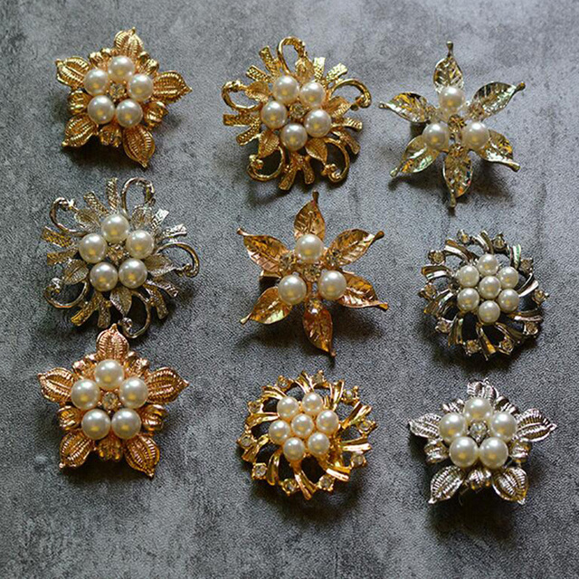 36b6d7ba7c1 Statement Luxurious Brooches Rhinestone Imitation Pearl Leave Crown Brooch  Pins Scarves Clip Women Jewelry Bijoux Gift Collect