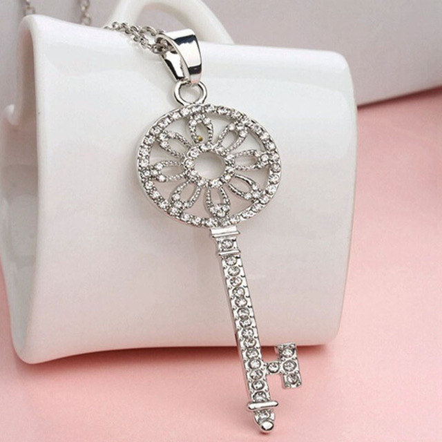 Vintage New Fashion Key Pendant Silver Plated Chain Choker Chunky Women Jewelry  Rhinestone Long Necklace