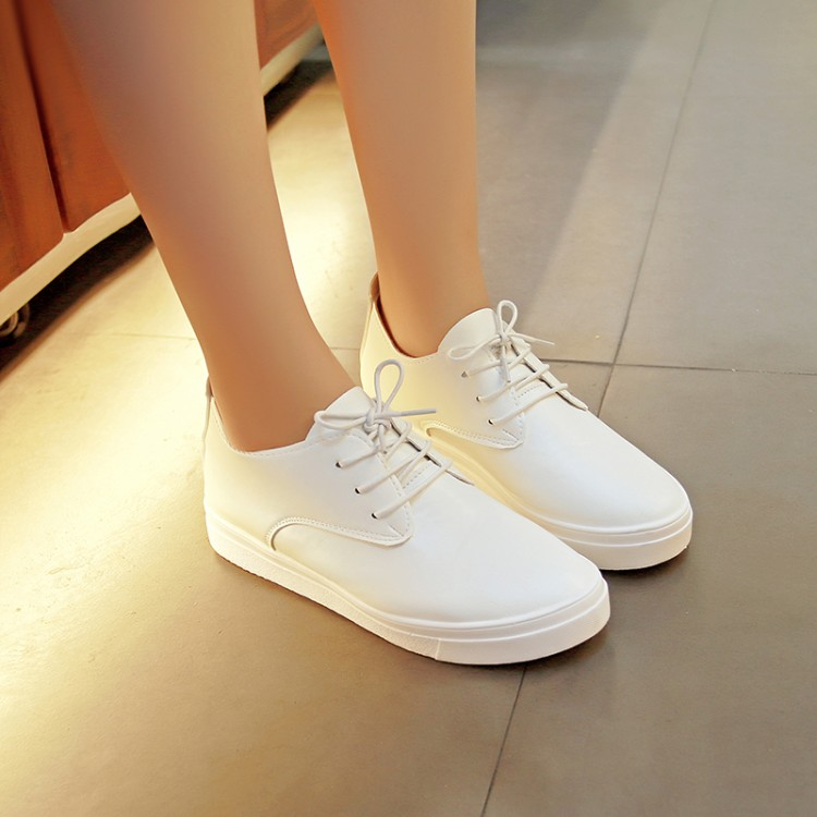 a606926445d 2016 New Women Shoes lace up Black white Casual Shoes For Women Flat Shoes  Ladies Shoes Loafers Zapatos Mujer A462-in Men s Casual Shoes from Shoes on  ...