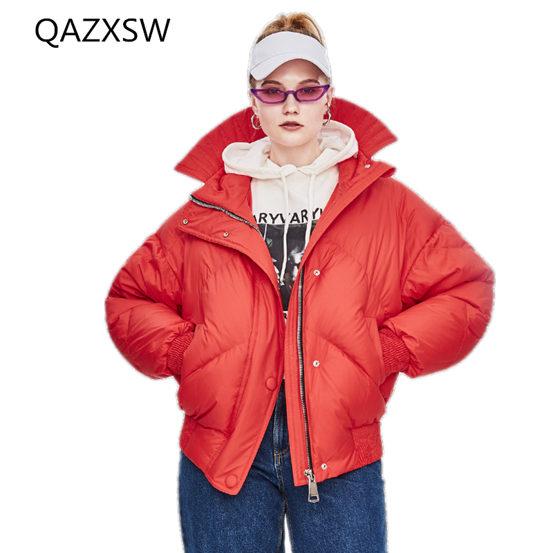 2019 New Women's Winter Down Jacket Short Thick Bread Fashion Hooded Outer 100% White Duck Down Thick Warm Loose Coat Lb134