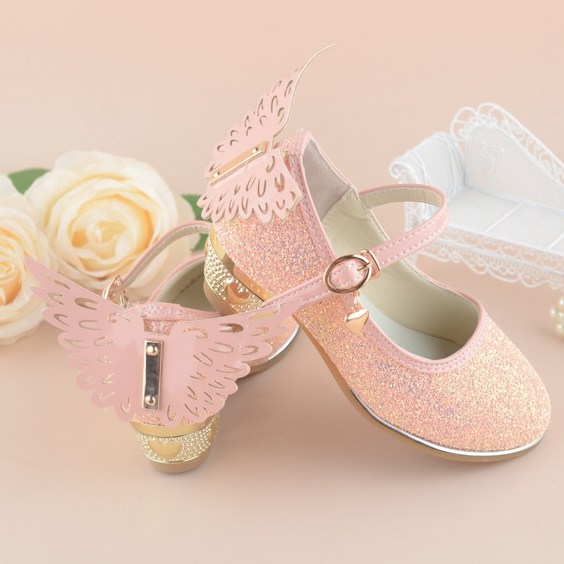 qloblo Girls Princess Shoes 2018 New Spring Summer 4~10Y Children Wedding  Sandals High Heels Butterfly Dancing Kids dress Shoes-in Leather Shoes from  Mother ... 2045c860881f