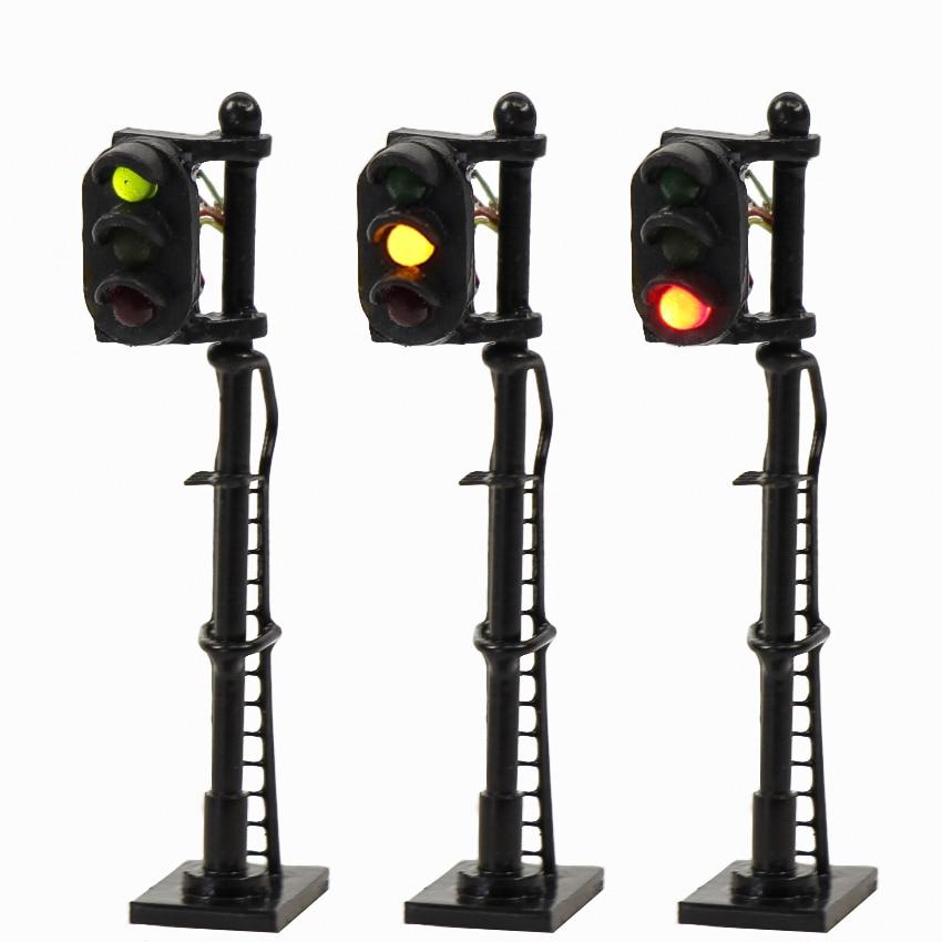 JTD1508 3pcs Model Railroad Train N scale Traffic Signals 1:150 Block Signal Post with Ladder Model Traffic Light N Scale 12V