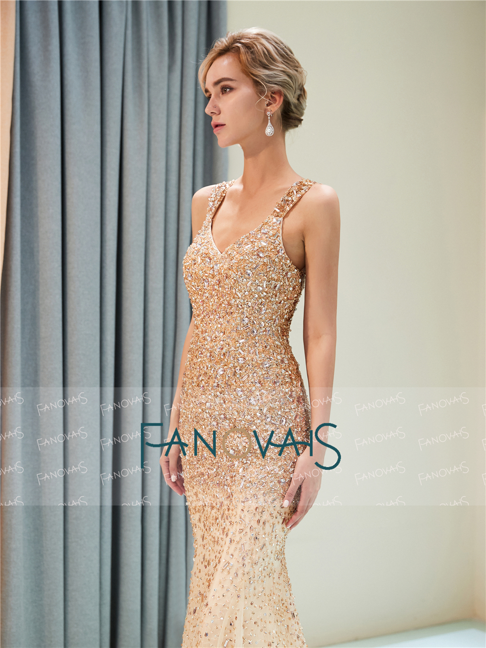 704e3a5d1217 Sexy Champagne Mermaid Evening Dresses Long V Neck Beaded Prom Dresses 2019  Tassels Evening Gown Vestido de Fiesta QS2-in Evening Dresses from Weddings  ...