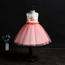 2019 new girls dress sleeveless flowers birthday party dress Europe and the United States host performance princess dress цены