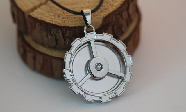 Bleach Rotatable Pendant Metal Jewelry