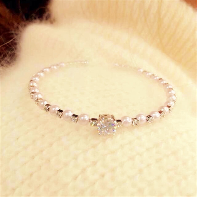 fashion Pearl Bracelet Round Shape Crystal Bracelet for Women Made of Alloy Fashion Pearl bangle 2015 New