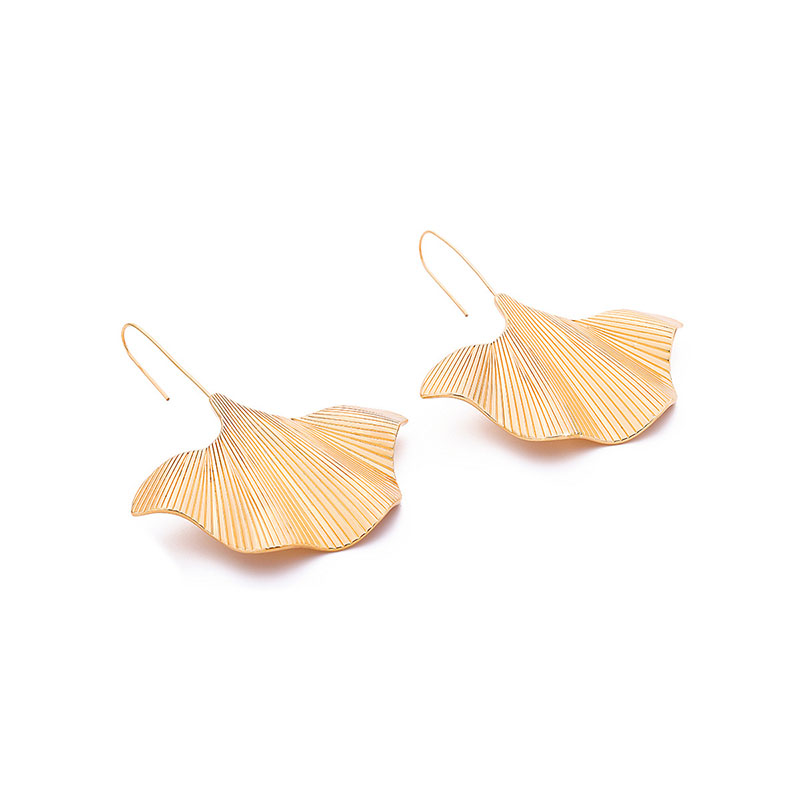 Alloy Leaf Earrings Creative Personality Large Leaves Modeling Long Earrings Long Alloy Earrings in Drop Earrings from Jewelry Accessories
