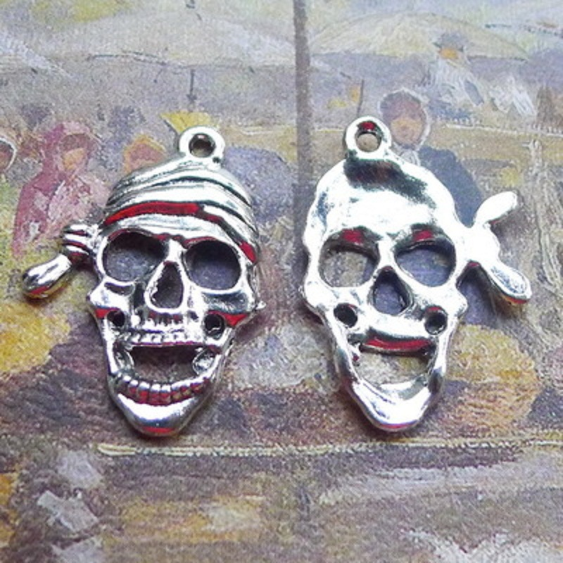 100PCS Hand Stamped Hot Sale Alloy Skull Charms Punk Dangle For DIY Jewelry Gifts 27*19MM