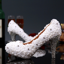 2016 New Sweet Lace Flowers Pearl Bride Wedding Dress Shoes Dreaming white Cute Lace Wedding Shoes High Heel Wedding Party Shoes