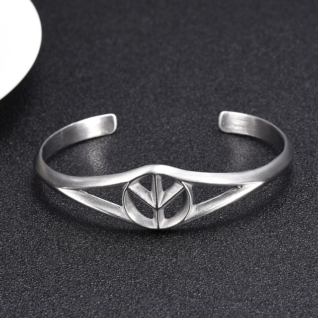 IJB5108 High Quality Stainless Steel Peace Love Sign Symbol Openable Hook Bangle Bracelet Cuff Jewelry