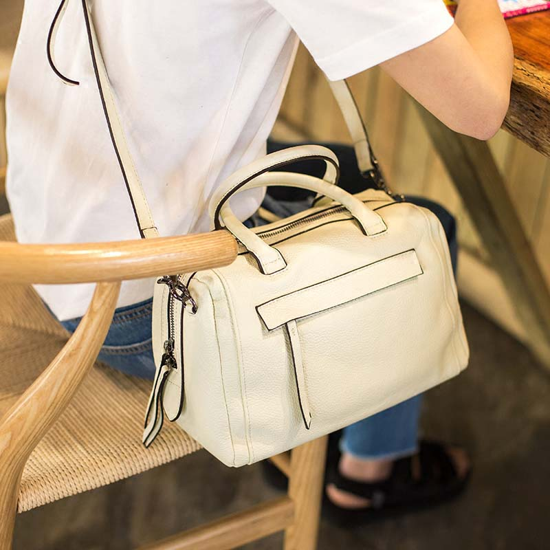 2018 new female first layer cowhide retro handmade vegetable tanned handbag diagonal package small Boston bag aetoo spring and summer new leather handmade handmade first layer of planted tanned leather retro bag backpack bag