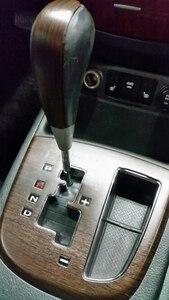 Image 5 - 2 piezas 100*30cm puerta segura de automóviles Panel de Control Central Etiqueta de grano de madera impermeable Cambiar Color estilismo DIY rollo de envoltura