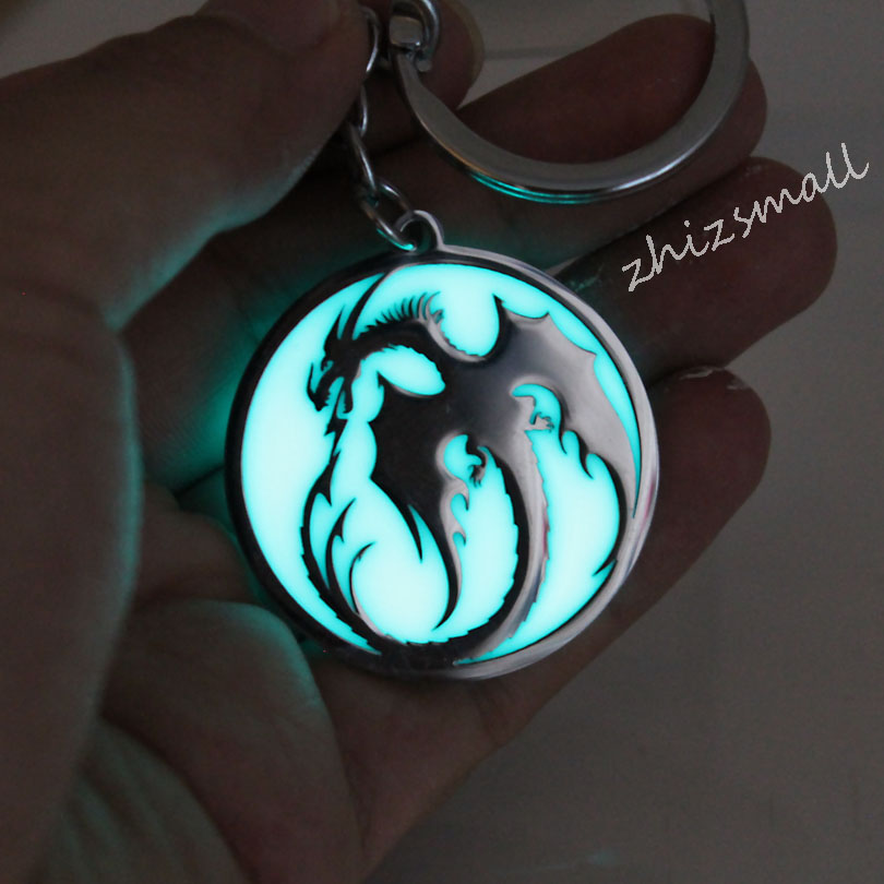 Stainless Steel Keychain Dragon Glowing Key Chain Fashion Jewelry Pendant Glow In The Dark Game Of Dragon Car Bag Pendant Gift