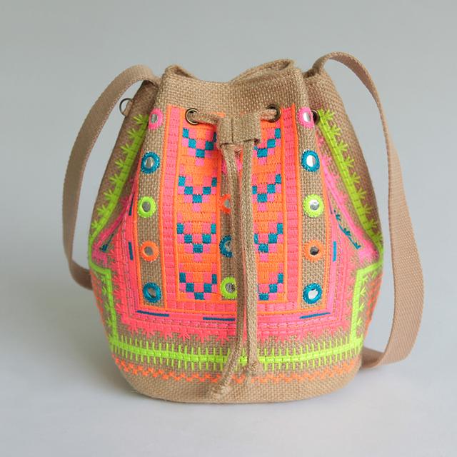 Mulheres QUENTES Bolsas Bordados Étnicos Designer Hmong Handmade Balde Saco de camurça saco do Mensageiro Da Lona Do Vintage Bolsa de Ombro Sac Femme