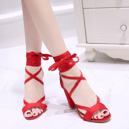 Summer new Roman style cross straps thick with sandals wild small fresh high heels. 3