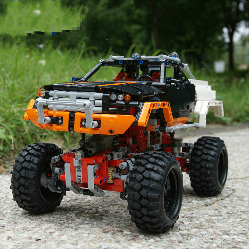 Hot Sale 3D Model 4x4 Crawler Building Bricks Toys for Children Game Model Car Gift Compatible with Lepins DIY Blocks Toys lepin 22001 imperial flagship building bricks blocks toys for children boys game model car gift compatible with bela decool10210