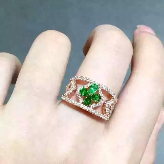 13e4df3a076 Natural Tsavorite Anel de jóia verde Natural garnet anel 925 sterling  silver moda Elegante Bonito clover mulheres party girl Jewelry em Anéis de  Jóias ...