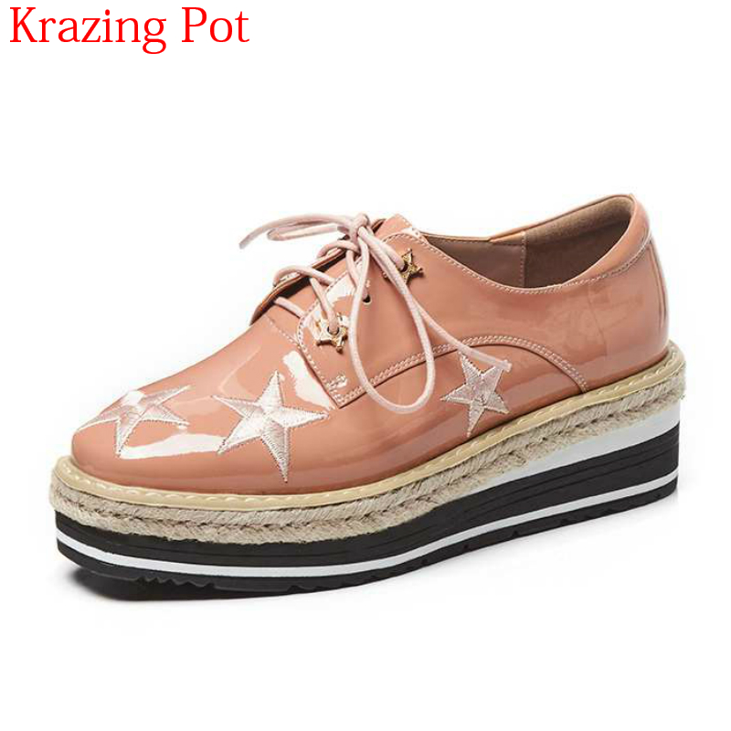 Здесь продается  2018 Brand Spring Shoes Genuine Leather High Heels Wedges Five Stars Patterns Lace Up Platform Embroider Women Oxford Shoes L18  Обувь