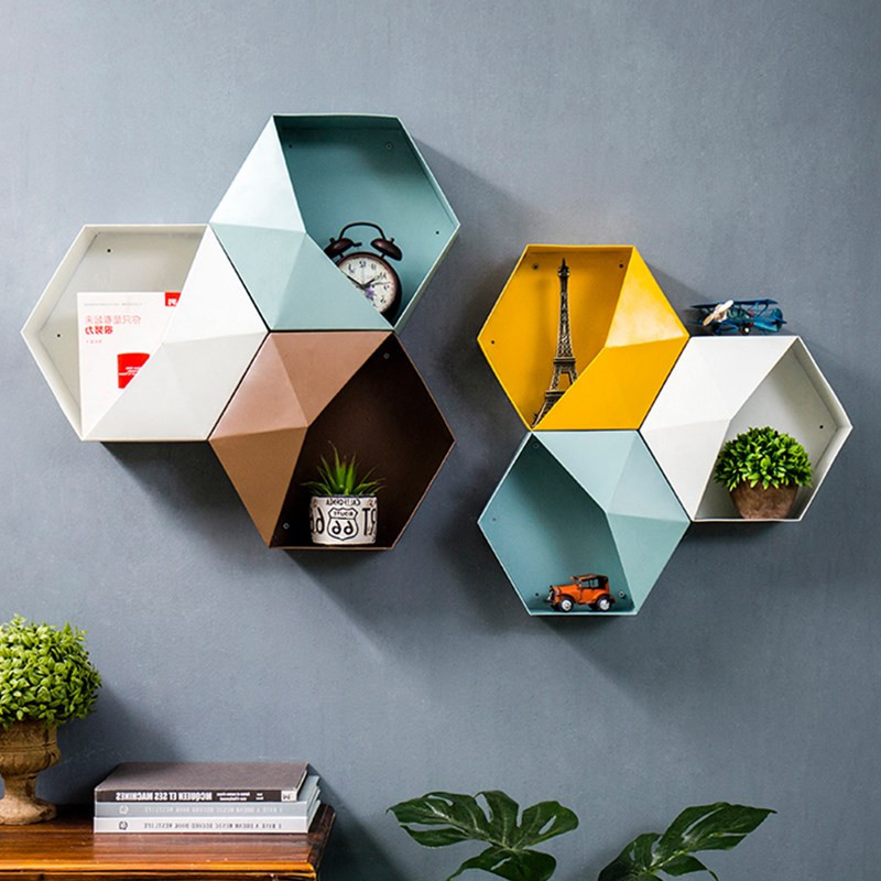 New Metal Hexagonal Hanging Shelf Modern Personalized Geometry Colour Living Room Wall Decore Sundry Storage Holders Iron Crafts bicycle helmet