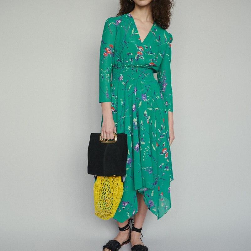 Kadın Giyim'ten Elbiseler'de Kadın elbise 2019 yaz düzensiz ince çiçek baskı yeşil v yaka elbise'da  Grup 1