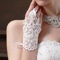Luvas Sem Dedos Luvas De Casamento Curto De alta Qualidade Elegante Do Laço Luvas De Noiva Com Beading Acessórios Do Casamento Por Atacado Frete Grátis