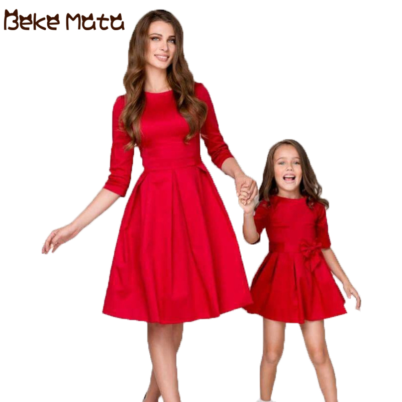BEKE MATA Mother Daughter Evening Dresses 2019 Bow Tie Mommy And Me Clothes Half Sleeve Family Look Mom Girl Bow Grown Clothing
