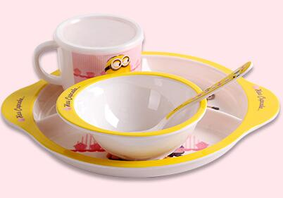2017 new arrival Brand Kids Melamine Dinnerware 4 pcs/Set Character Dishes Including Plate Bowl Mug Flatware Gift Box