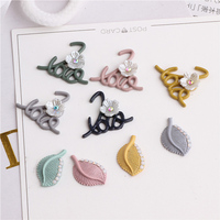 Groothandel 40 Stks Emaille Legering Holle Letters Knop Patch Sticker Craft Jelly Rhinestone Leaf Patchs Ornament Accessoires DIY