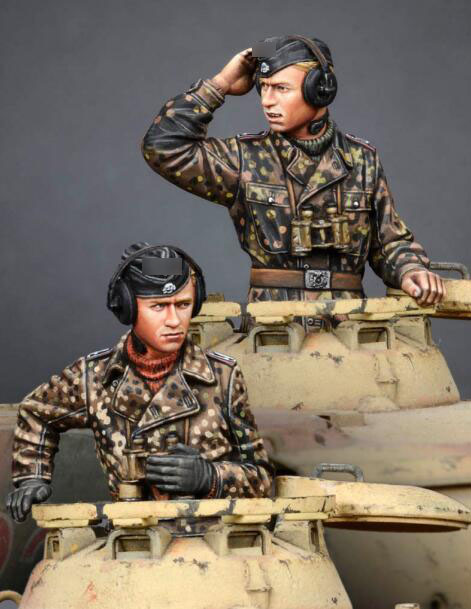 1/35 Resin Figures WWII Tank Crew Soldier 2pcs/set Model Kits