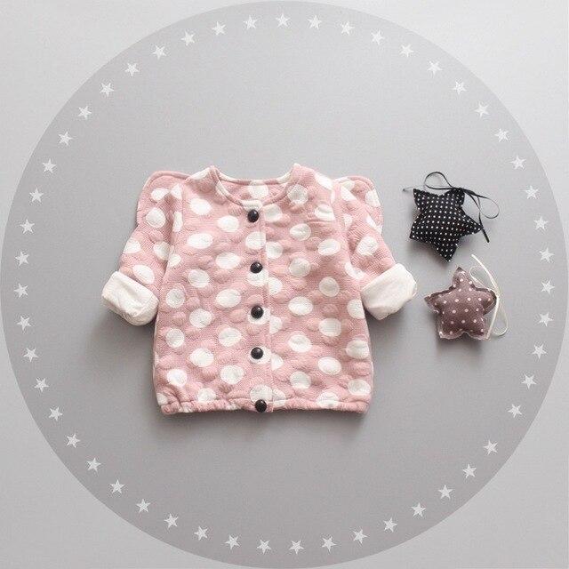 Детей новорожденных девочек одежда пальто 2016 осень новые крылья девочка верхняя одежда куртка горошек пальто для новорожденных infantil одежда