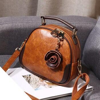 c838bc5108c0 Для женщин сумки мода пряжка небольшой площади сумка цветок резьба сумка  Повседневное плеча Сумка Новый Sac женские сумки для Для женщин 201