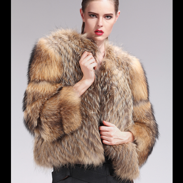 Women-Genuine-Real-Fur-Coats-100-Raccoon-Dog-Fur -Jackets-2015-Winter-Warm-Fashion-Real-Fur.jpg