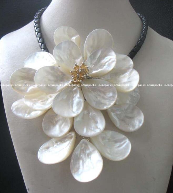 Gros mer shell fleur blanc quartz collier 16.5