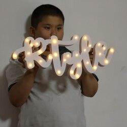 Drewniane litery alfabetu LED lampy znak oświetlenie namiotowe świeci się lampka nocna LED rosną światła dekoracje ścienne do sypialni ozdoby ślubne światła w Dekoracyjne litery i cyfry od Dom i ogród na