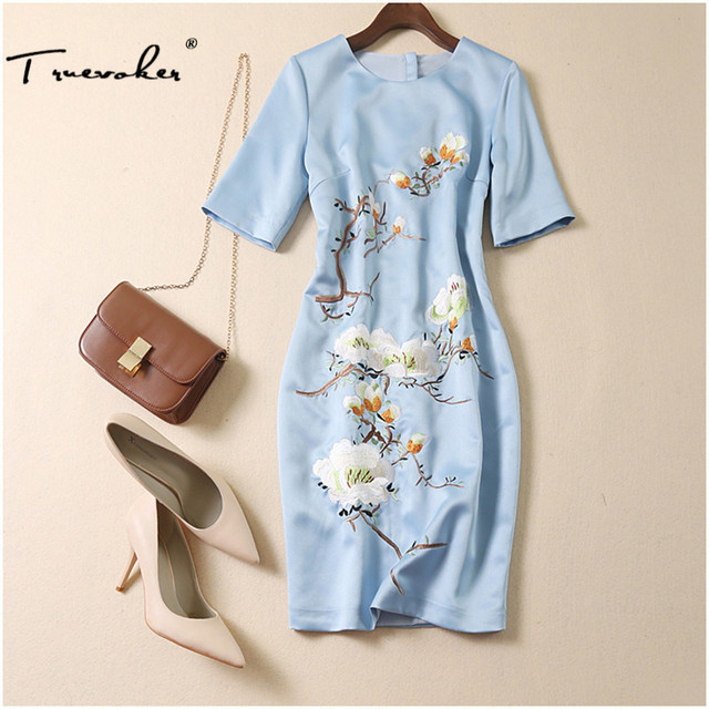 ad0a7a4438f Truevoker Designer Dress Women's High Quality Short Sleeve Blue Floral  Embroidery Plus Size XXL Straight Vestido