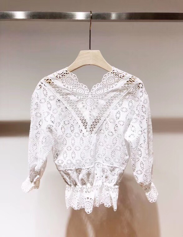 2018 Polyester Regular Full Spring New Turteneck Lace Shirt Perspective Sexy Hook Flower Hollowed out Women's Bottoming shirt - 3
