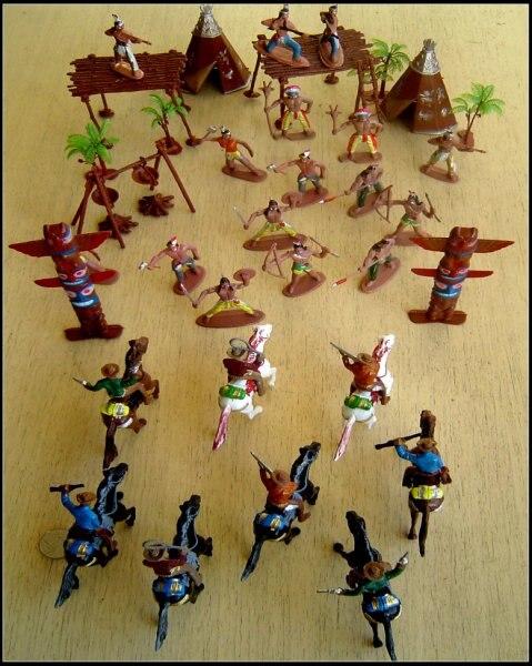Figurine en plastique dur jouets/nouveau soldat/costumes de guerre spéciaux/unité de poupée de cowboy 8 chevaux + 8 cow-boys et ensembles de tribu indienne