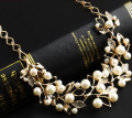 Fashion Rhinestone Crystal Leaf Imitation Pearls Necklaces Gold Plated Metal Choker Necklace for Women Collier DL8143