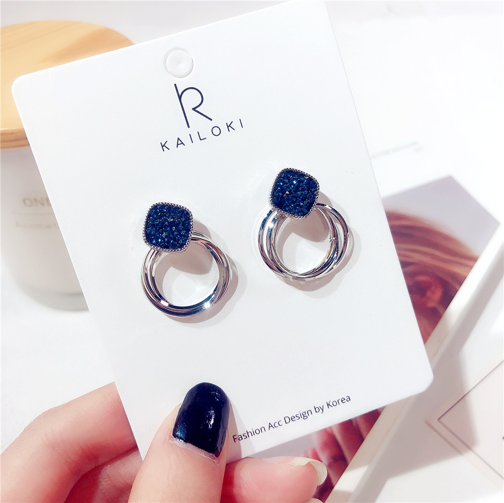HTB1xhFCajnuK1RkSmFPq6AuzFXaI - 2018 New Fashion Zinc Alloy Classic Round Women Dangle Earrings Korean Deep Blue Crystal Circle Jewelry For Female