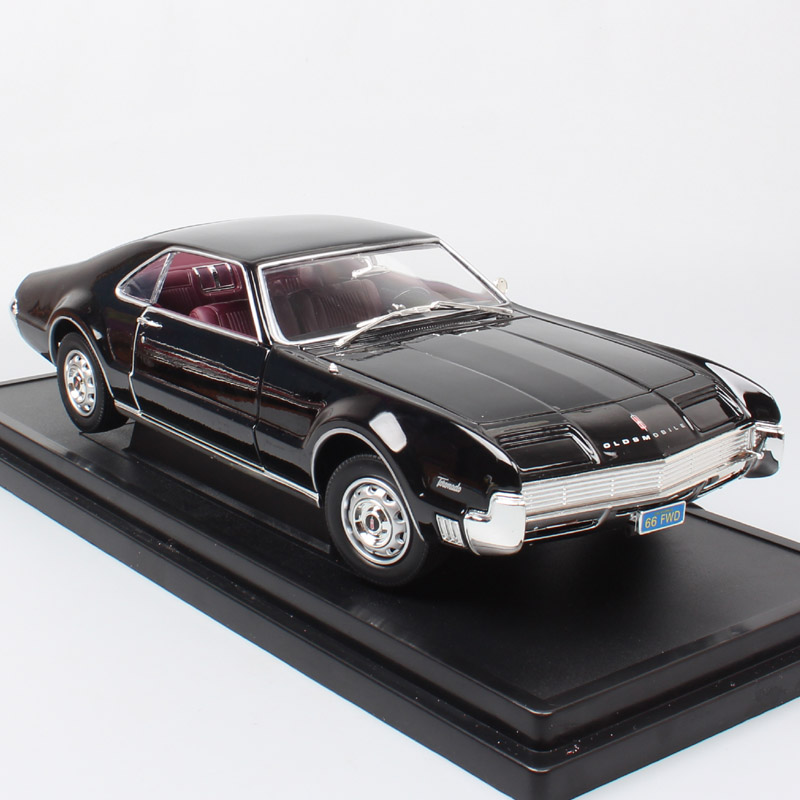 1 18 Big Scale Luxury Classic Vintage Olds Mobile Toronado 1966 GM Diecasts & Toy Vehicles Metal Model Car Thumbnail Of Kids Boy