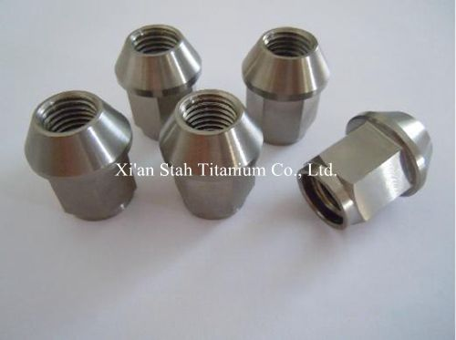 Titanium TC4 GR5 Car Wheel Rim Lug Nuts Bolt 12X1.25 X27mm / 12 X1.5X27mm 25g/pc Strength More Than 900MPa