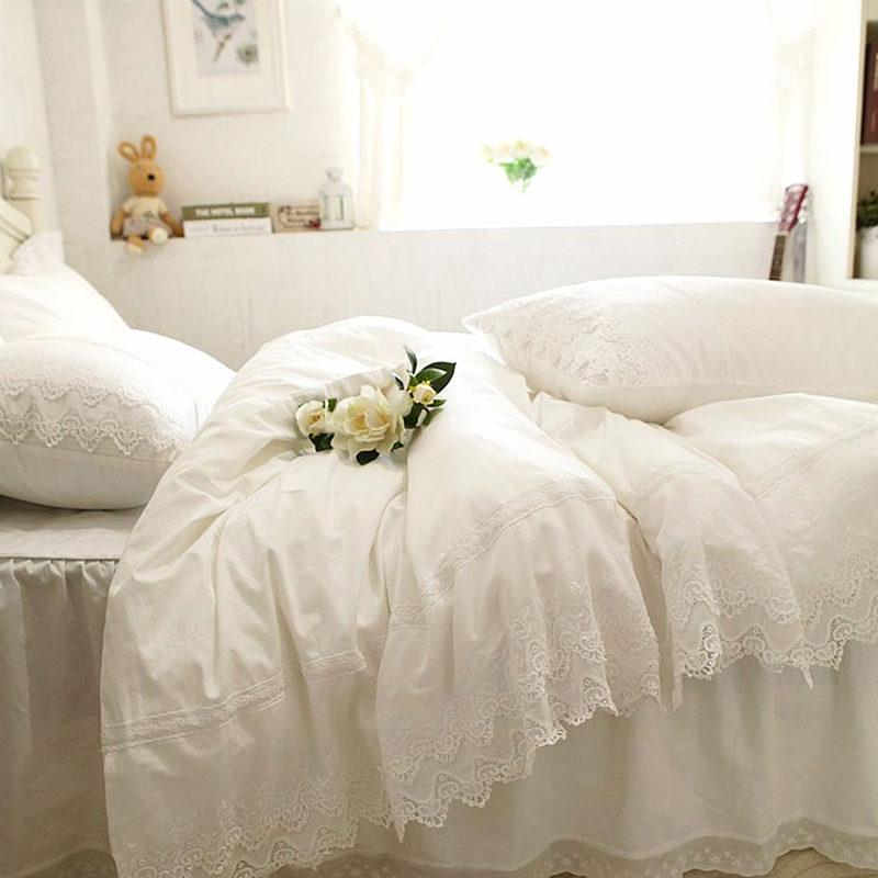 Luxury Embroidery bedding set white lace cake layers